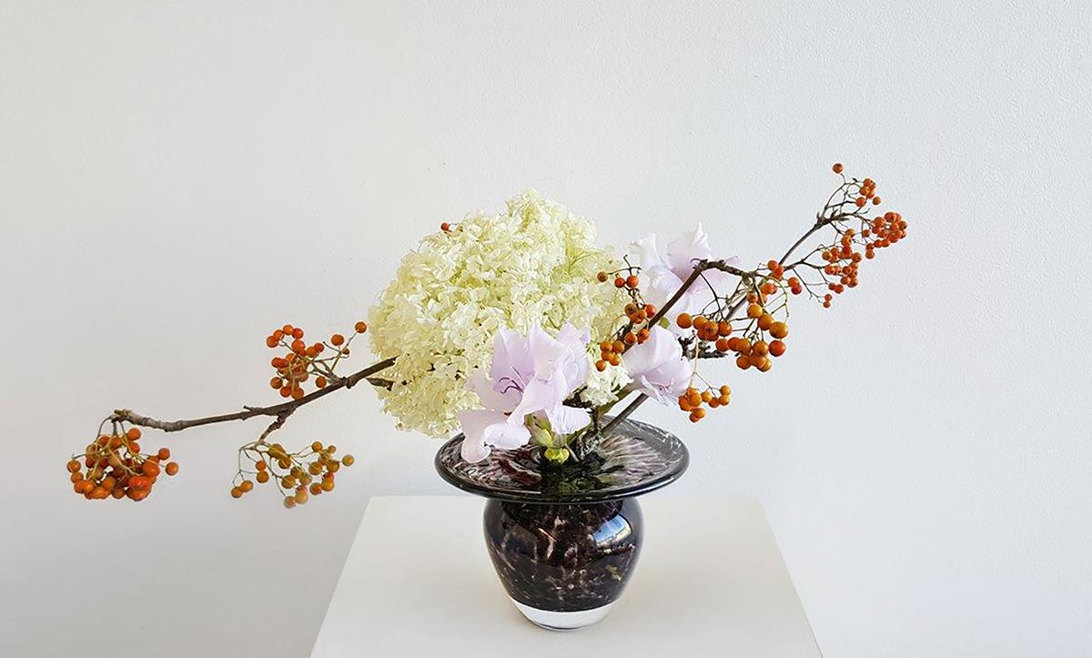Ikebana art is here again!